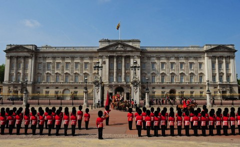 Buckingham-Palace-8-480x294