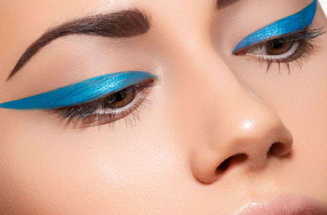 eyeliner-azul