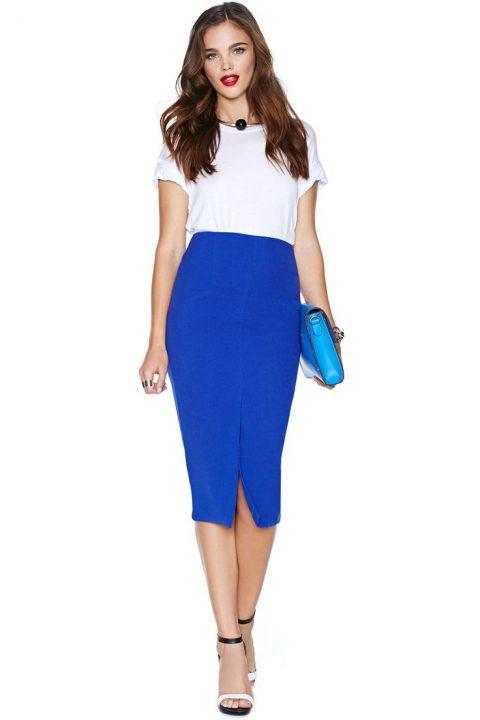3ce00aefe0 Guía de estilo  Falda mini o falda midi