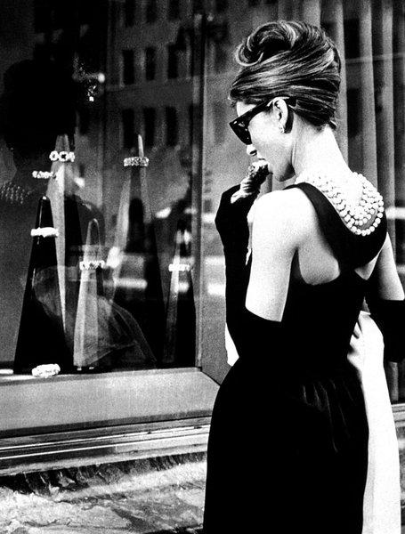 Audre_Hepburn_Desayuno_con_diamantes_El_Attelier