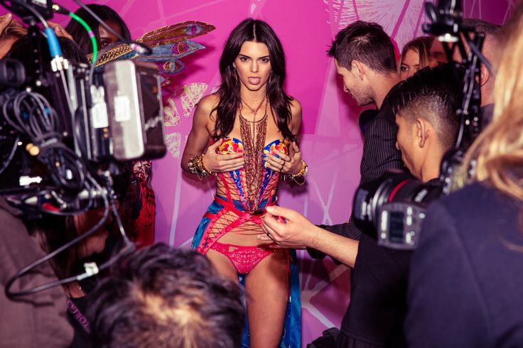 El_Attelier_Backstage_de_Victoria_Secret_3