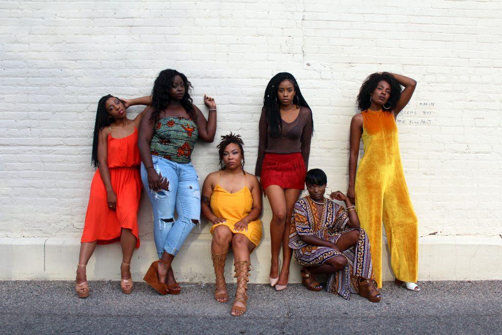 Grupo de chicas con tendencias