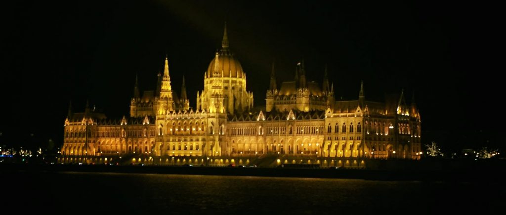 El Parlamento de Budapest - Foto: @alexgoonzalez13