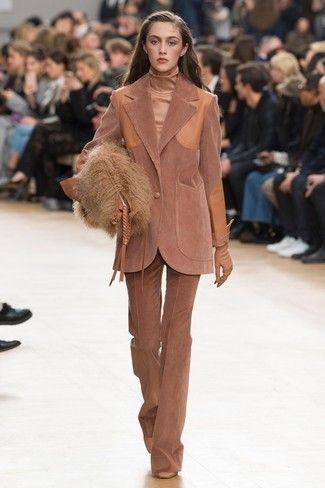 Cómo combinar la pana en invierno - Traje de chaqueta - Foto: Pinterest.