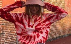 El estampado tie-dye, la tendencia que te volverás a poner en verano |Foto: Pinterest.