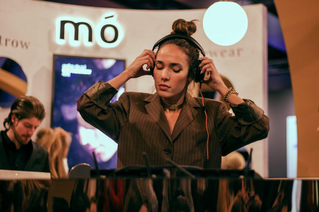 Ana Moya DJ el primer día